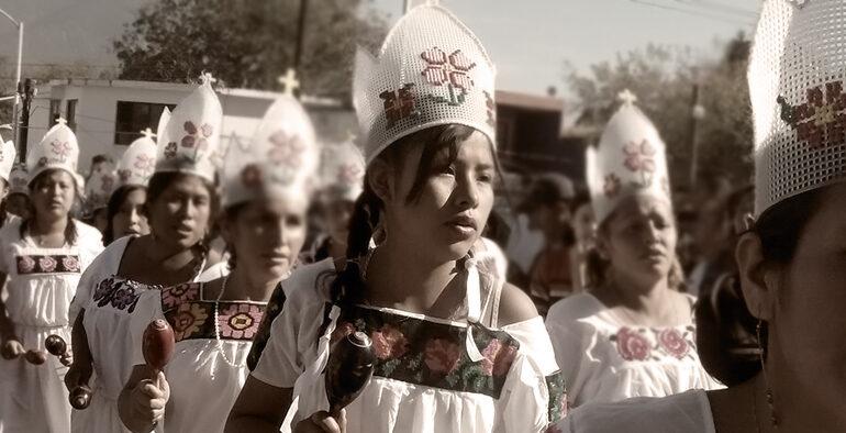 Dones Zihuame al programa Contextos
